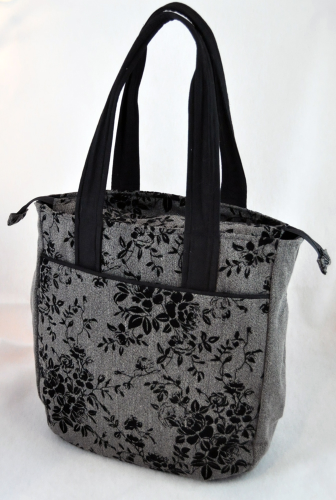 Competed Super Tote