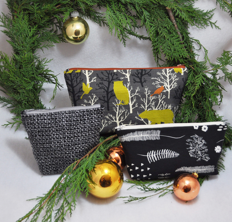 Matching Zipper Pouches in a variety of fabrics and sizes.