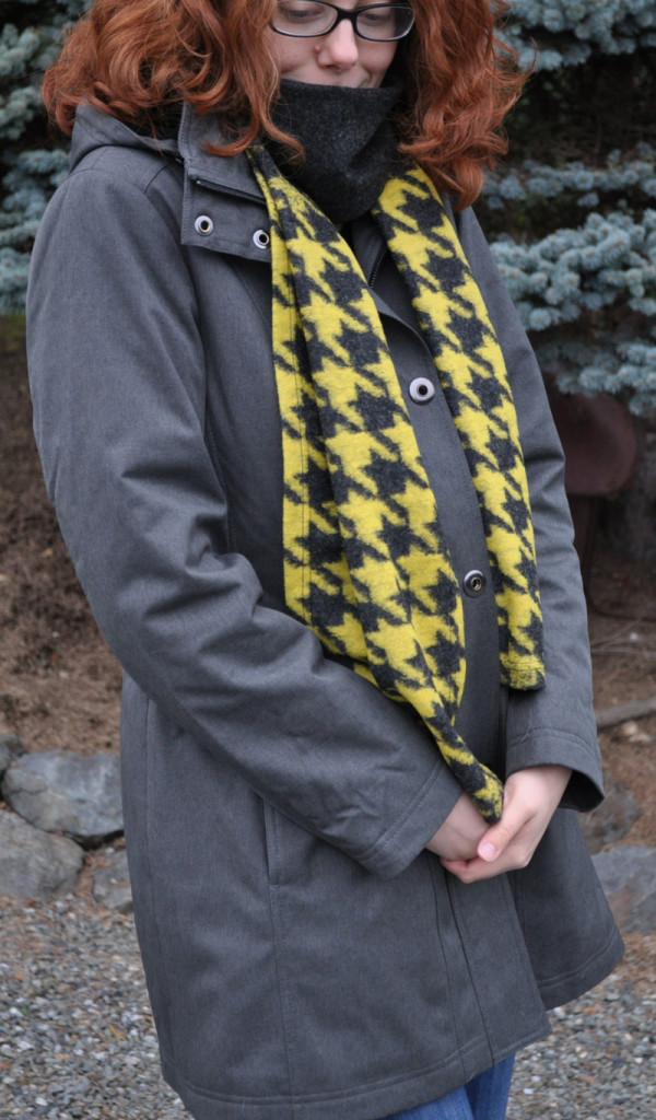 Cozy Ombre Houndstooth Knit Scarf