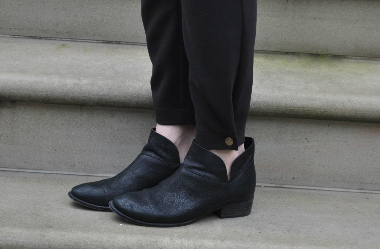 Style Maker Fabrics | Ruri Sweatpants Snap Hem Detail