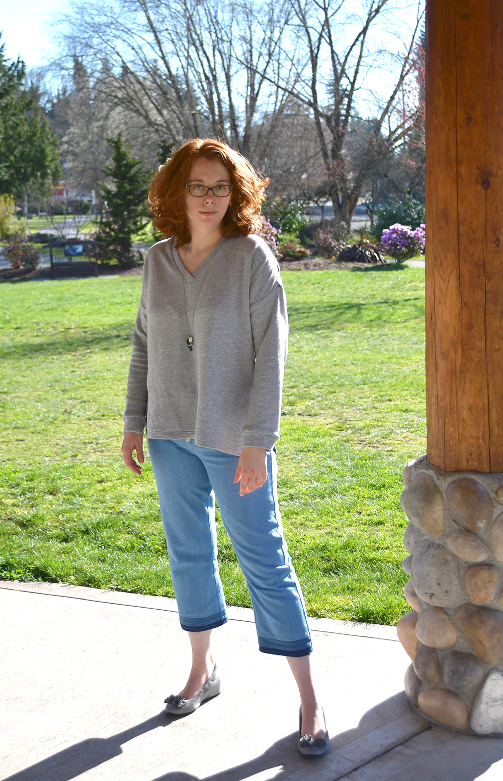 Tabor V-Neck and Dawn Jeans Outfit | Style Maker Fabrics
